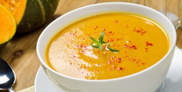 sopa-de-calabaza-garbanzos-y-espinacas